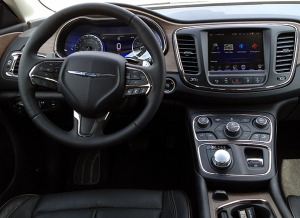 2015-Chrysler-200-int